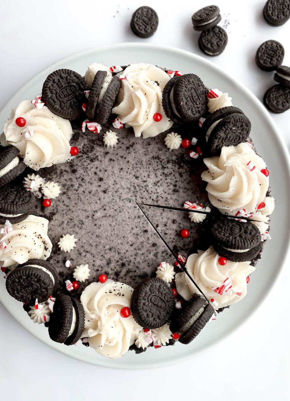 Holiday Oreo and Peppermint Layered Cake with OreoButtercream